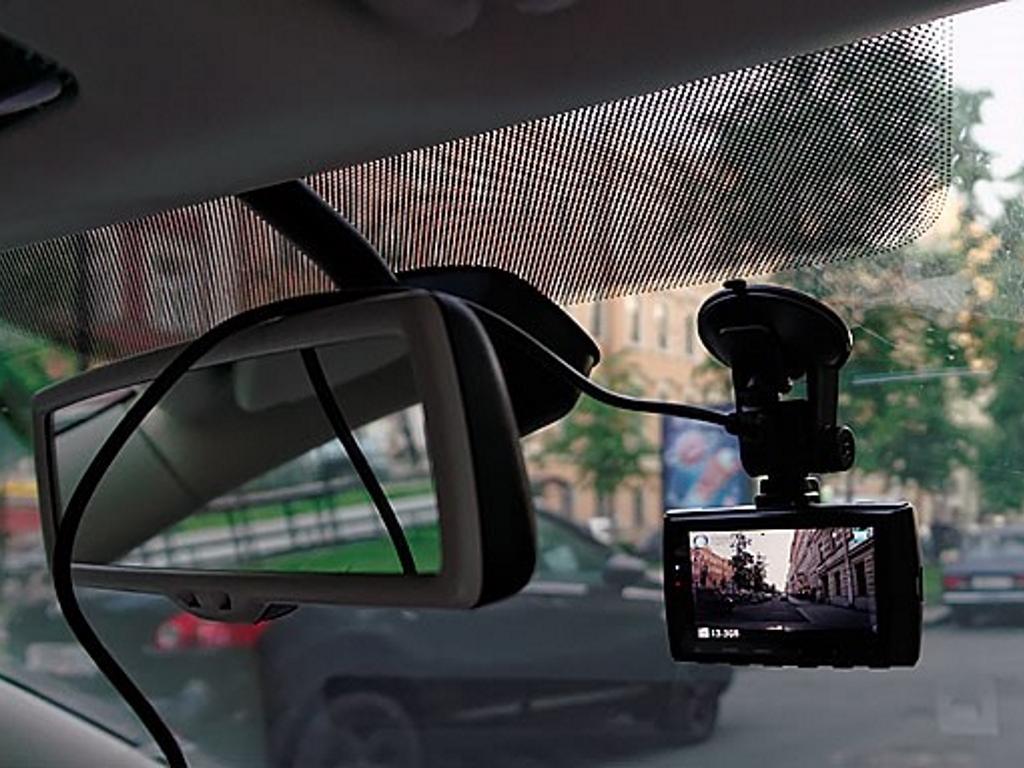Где установить регистратор в авто видео регистраторы фото цены